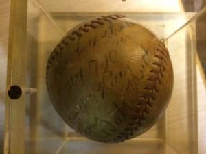 Babe Ruth 700 HR Thank you Ball